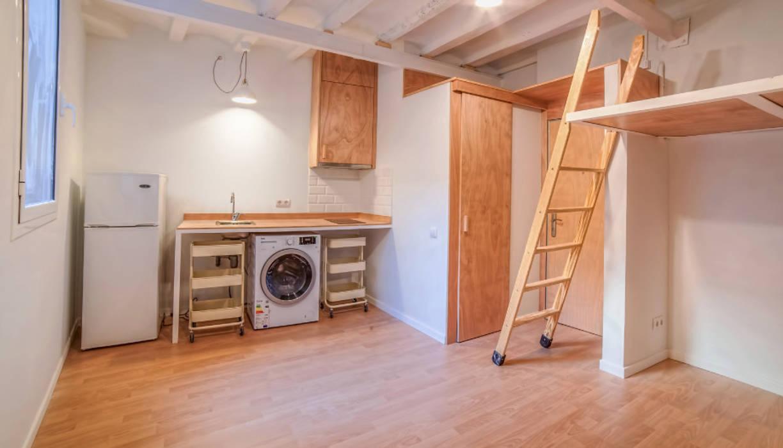 Dapur built in oleh LaBoqueria Taller d'Arquitectura i Disseny Industrial, Industrial Kayu Wood effect