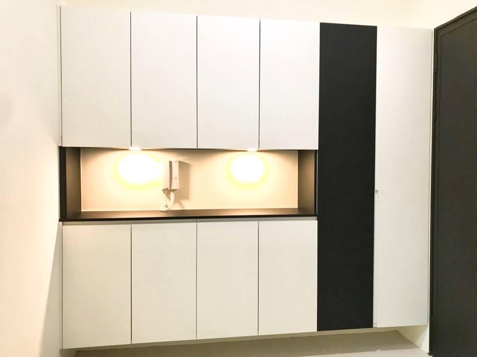 極簡對比色玄關 根據 圓方空間設計 簡約風 合板