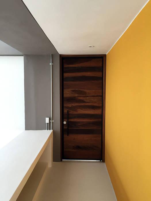 Casas modernas de NOAH Proyectos SAS Moderno