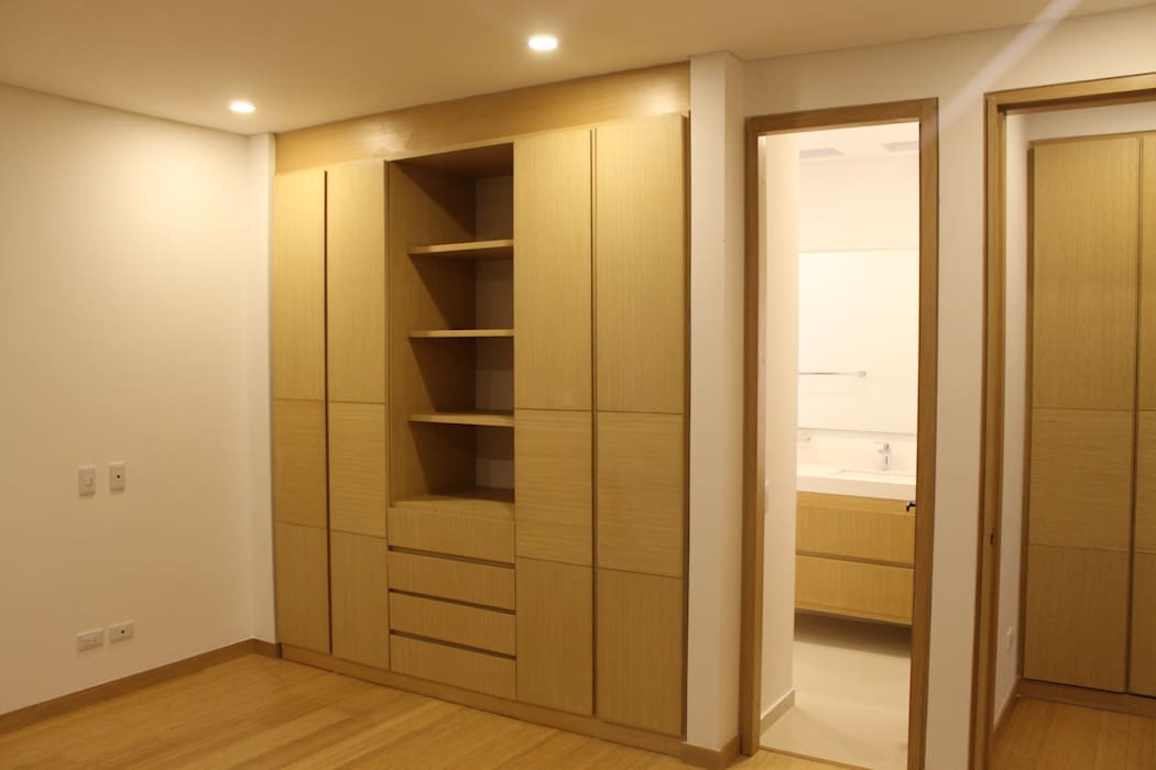 Modern dressing room by IngeniARQ Arquitectura + Ingeniería Modern