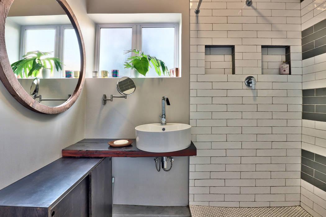 Ванные комнаты в . Автор – Studio Do Cabo, Модерн