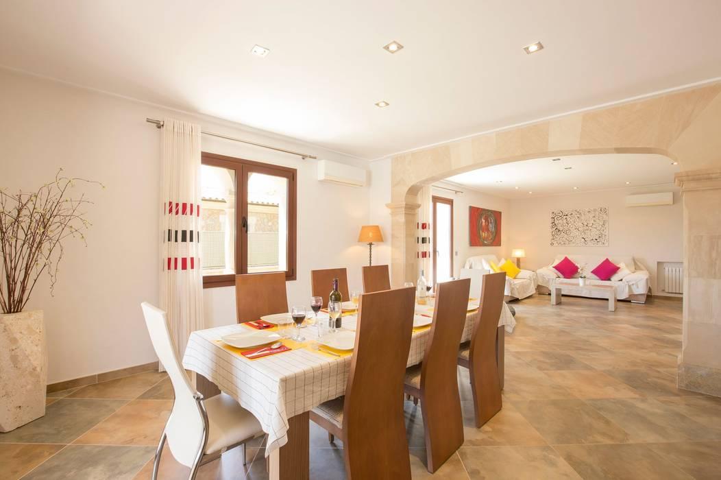 Comedor: Comedores de estilo  de Diego Cuttone, arquitectos en Mallorca, Mediterráneo