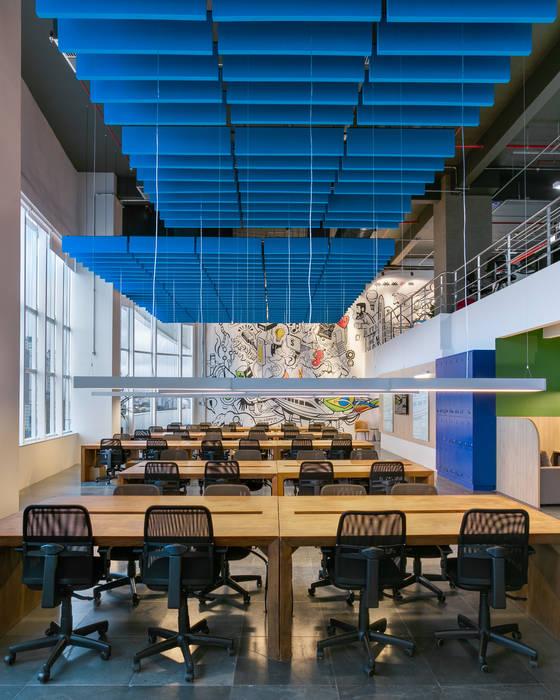 Spazhio Croce Interiores Ruang Komersial Modern Multicolored