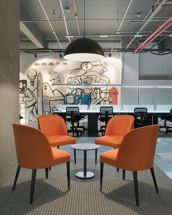 Sala de reunião aberta Spazhio Croce Interiores Edifícios comerciais modernos