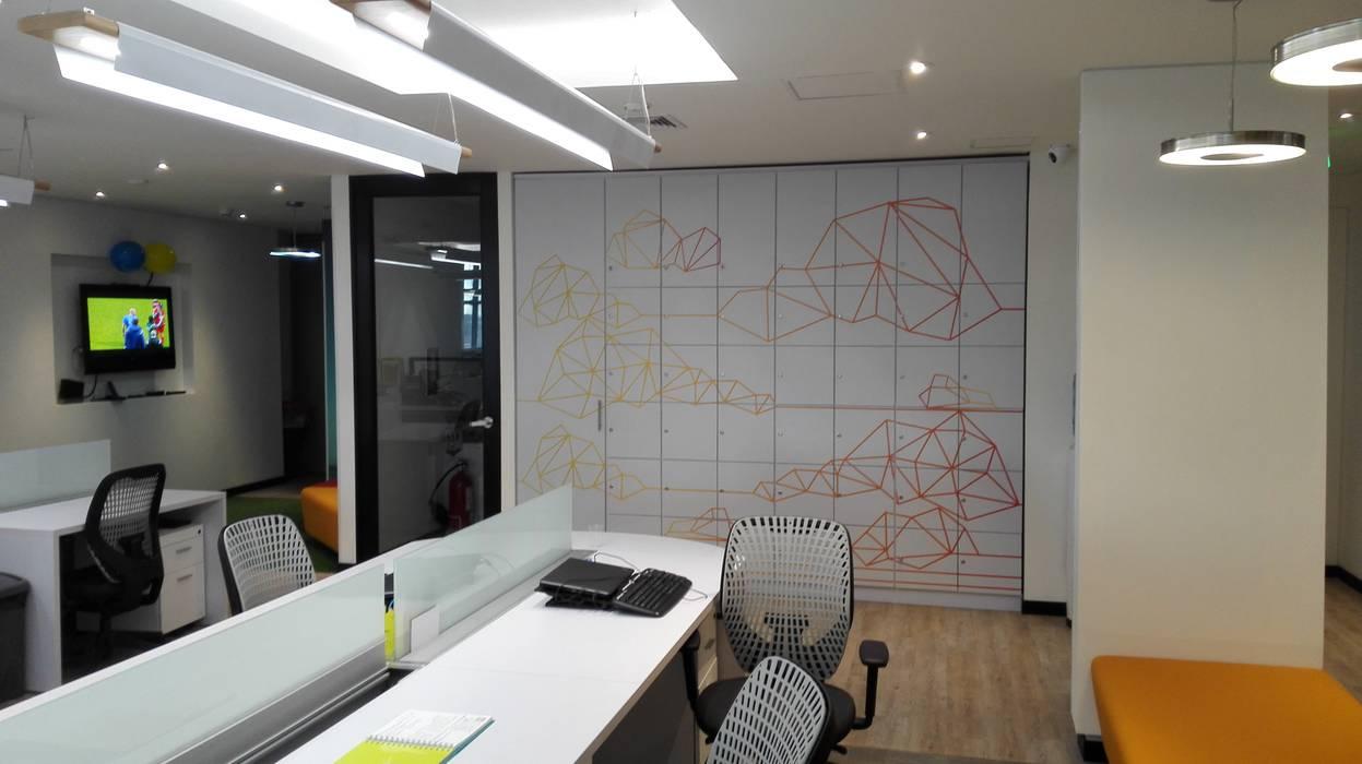 LOCKERS: Edificios de oficinas de estilo  por IngeniARQ Arquitectura + Ingeniería, Minimalista