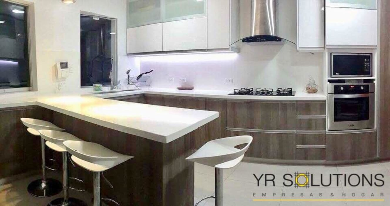 Cocina La Encantada - Villa : Cocinas de estilo  por YR Solutions