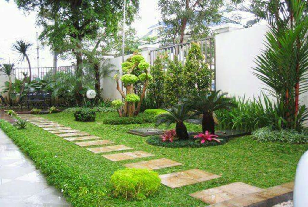 Taman Halaman Samping: Halaman depan oleh Tukang Taman Surabaya - Tianggadha-art, Minimalis Batu