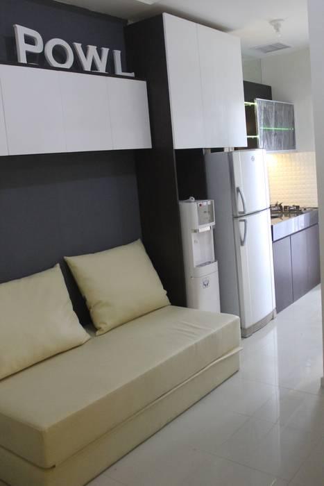 Parahyangan Residence Tipe 1 Bedroom: Kamar Tidur oleh POWL Studio,