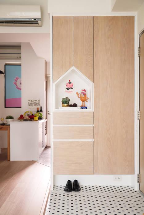 Scandinavian style corridor, hallway& stairs by 一葉藍朵設計家飾所 A Lentil Design Scandinavian