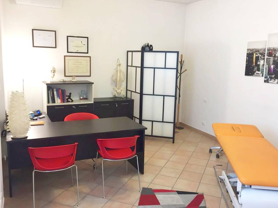 Studio: cliniche in stile di daniele piazzola architetto homify