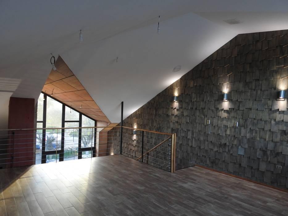 ALTILLO RESTAURANTE PATIO CONDELL: Comedores de estilo  por U.R.Q. Arquitectura, Moderno