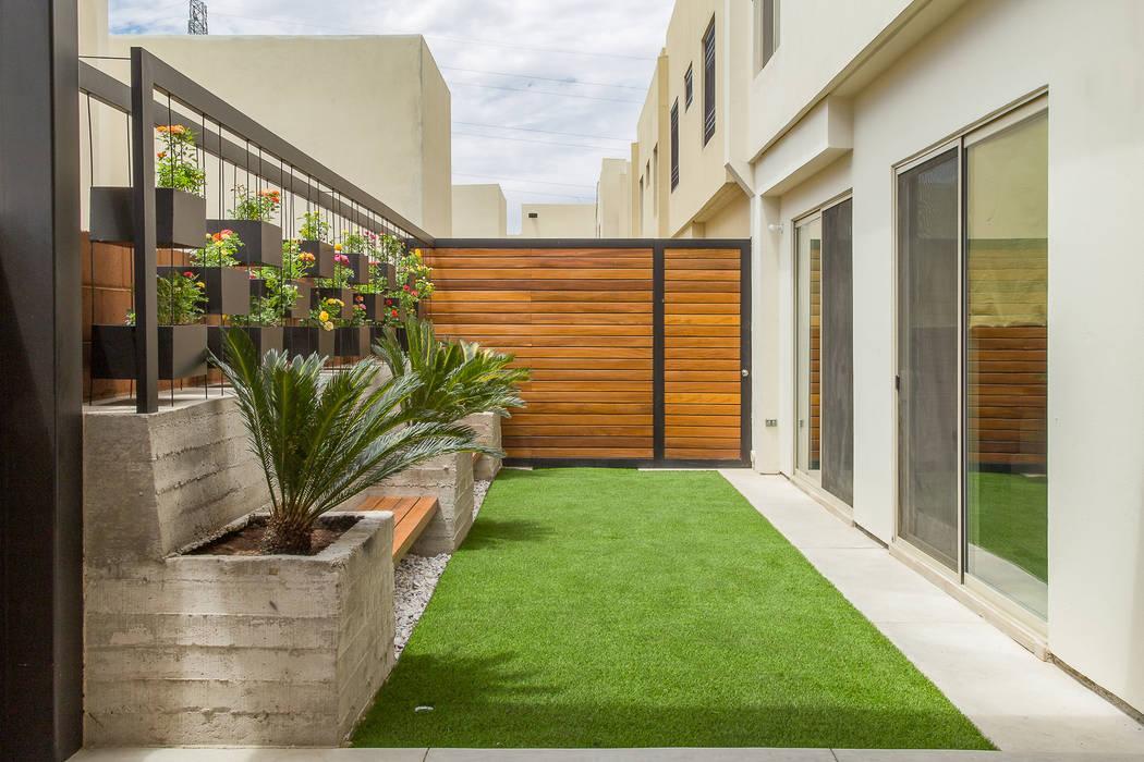 Área Exterior CAF: Jardines de estilo  por S2 Arquitectos, Minimalista