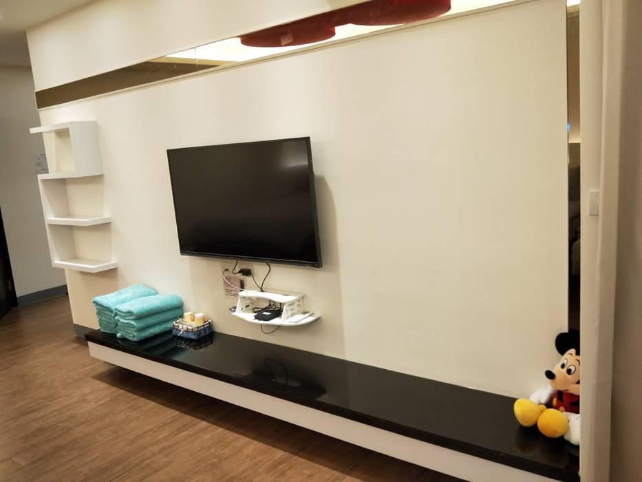造型電視櫃:  商業空間 by 頂尖室內設計工程行, 簡約風
