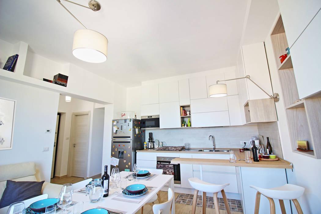 Cucina soggiorno mini appartamento: sala da pranzo in stile in stile ...
