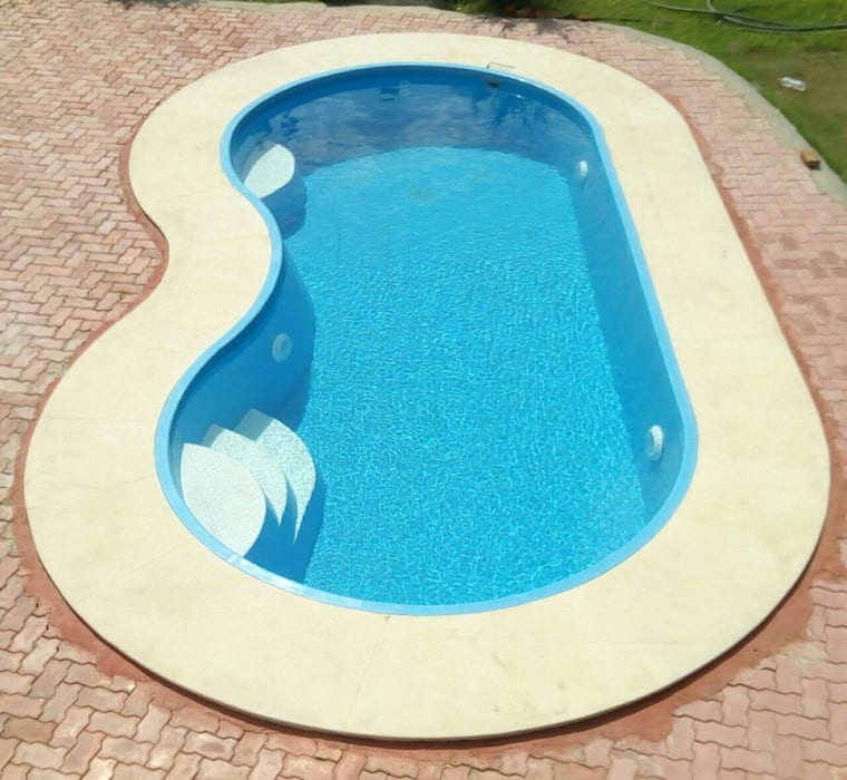 Readymade swimming pools: by arrdevpools | homify