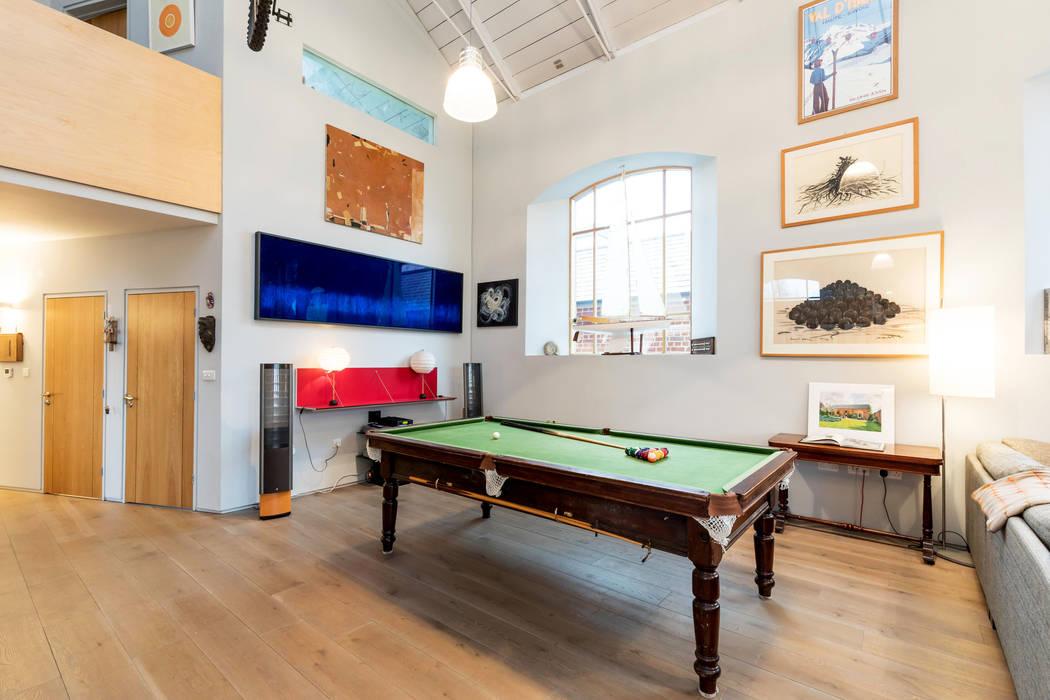 Living Space Ruang Keluarga Gaya Eklektik Oleh dwell design Eklektik