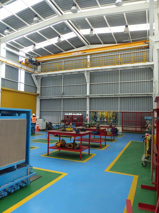 Vista interior de Taller Electrico: Escuelas de estilo  por  Arquitectos Roman&Toledo