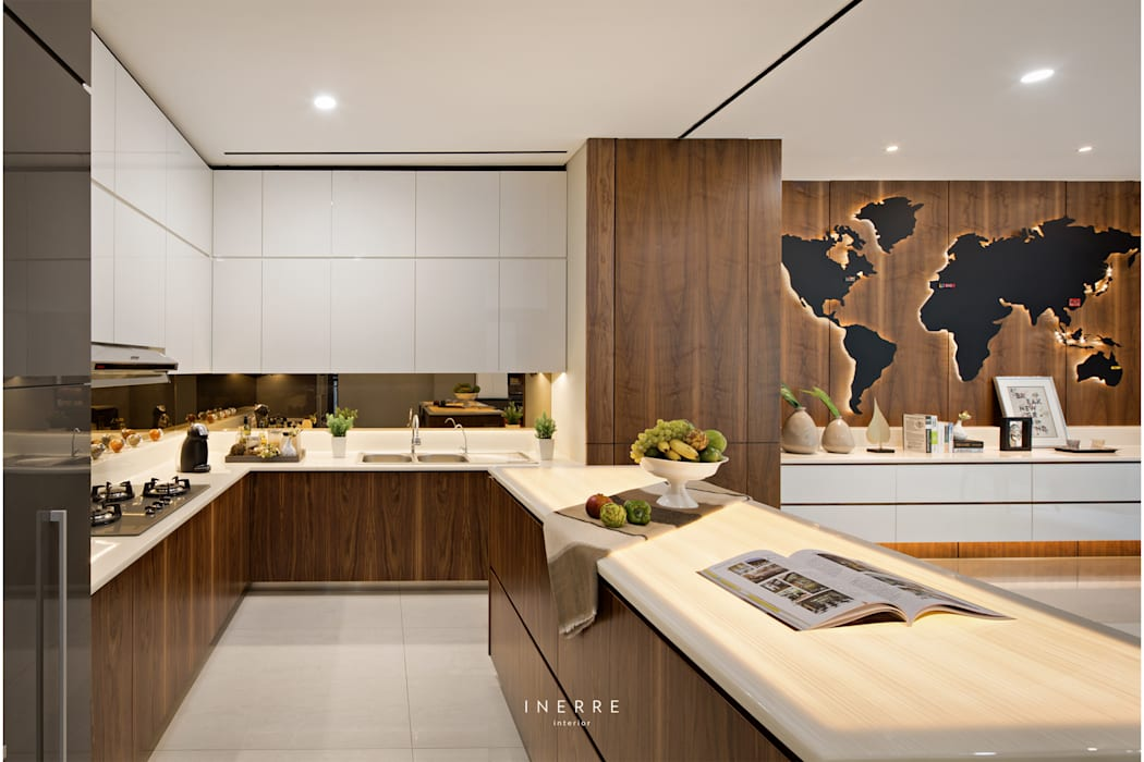 KitchenKitchen: Dapur built in oleh INERRE Interior,
