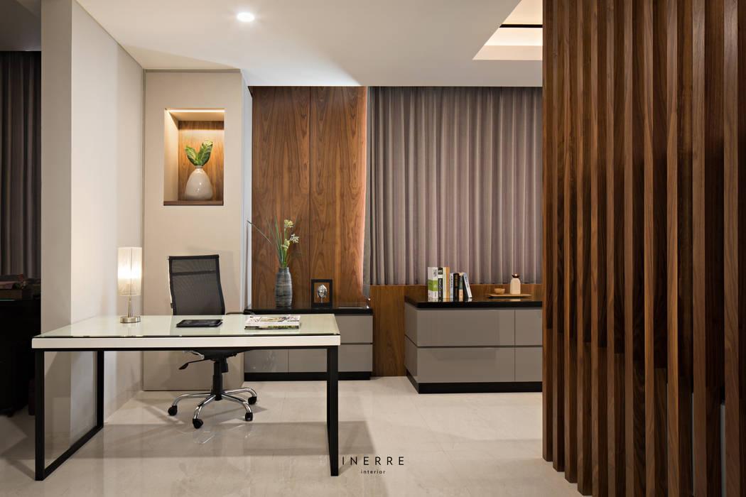 Office: Ruang Kerja oleh INERRE Interior, Modern