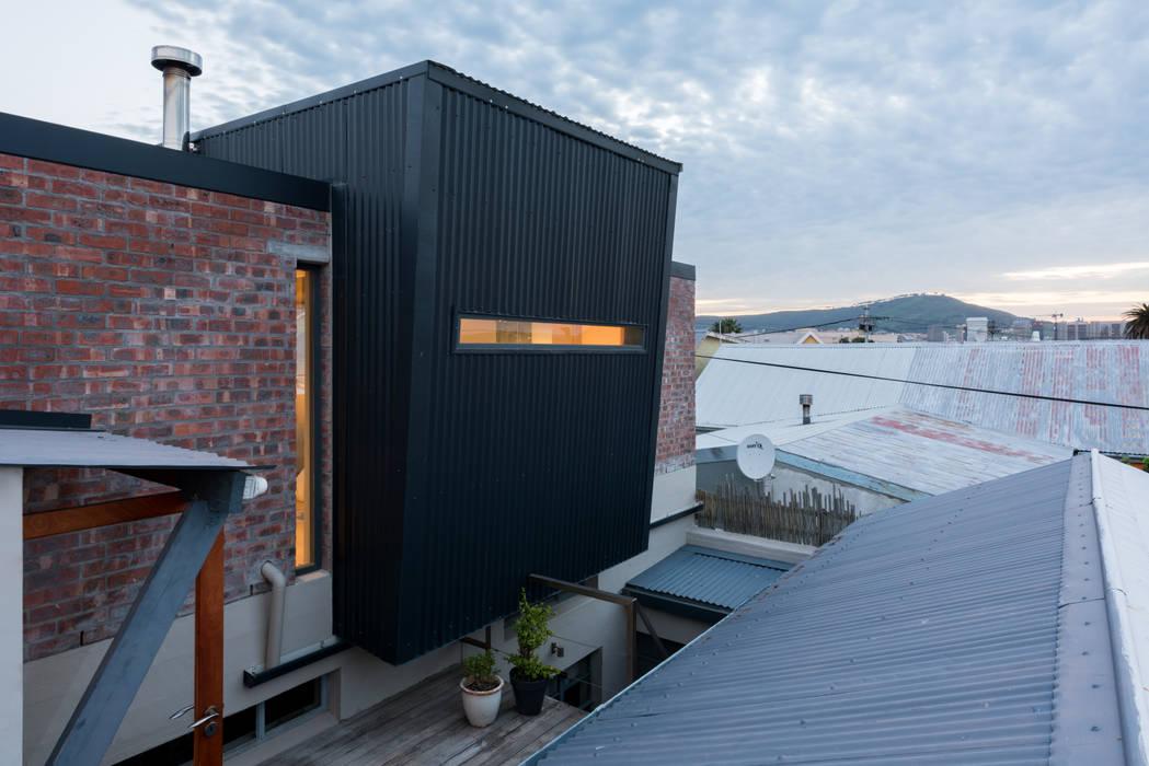 Casas ecológicas de estilo  por Barak Mizrachi Architects