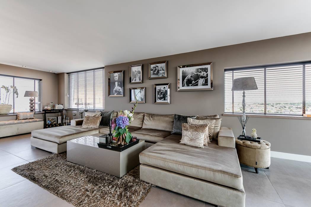 Interieurfotografie penthouse: moderne Woonkamer door Esther Scherpenzeel Fotografie