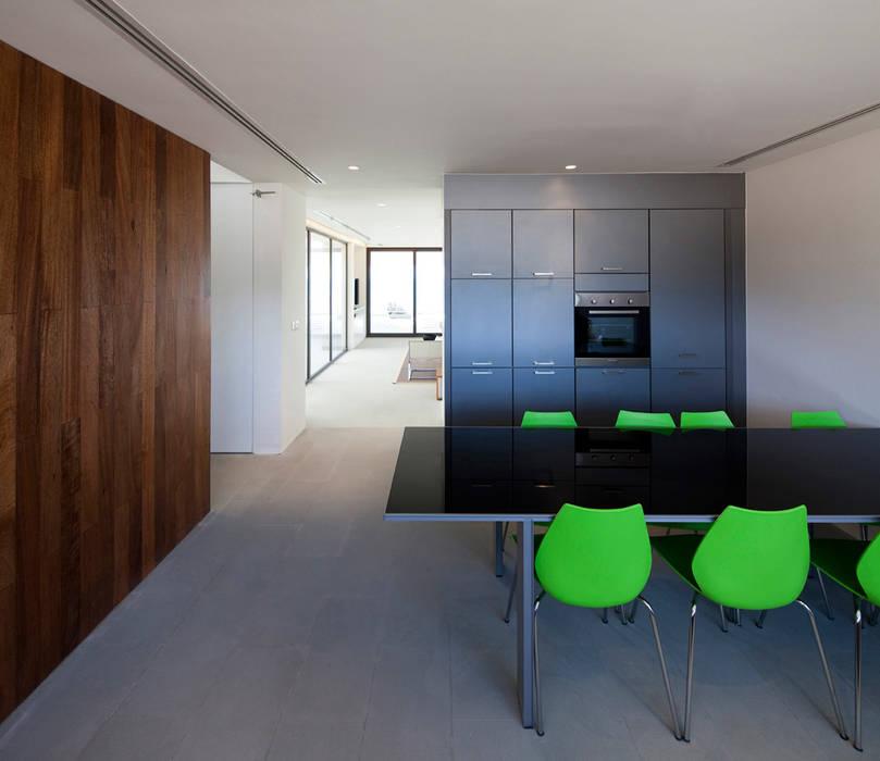 Minimalist bedroom by AGi architects arquitectos y diseñadores en Madrid Minimalist Concrete
