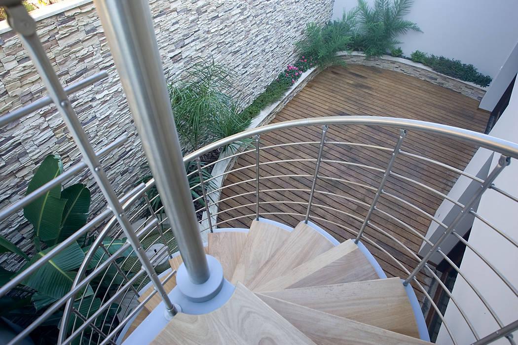 Escaleras de estilo  por Idearte Marta Montoya, Colonial