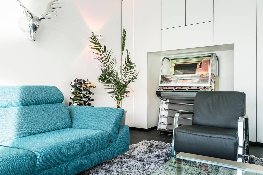 Lucht, Licht, Zicht Masters of Interior Design Moderne woonkamers