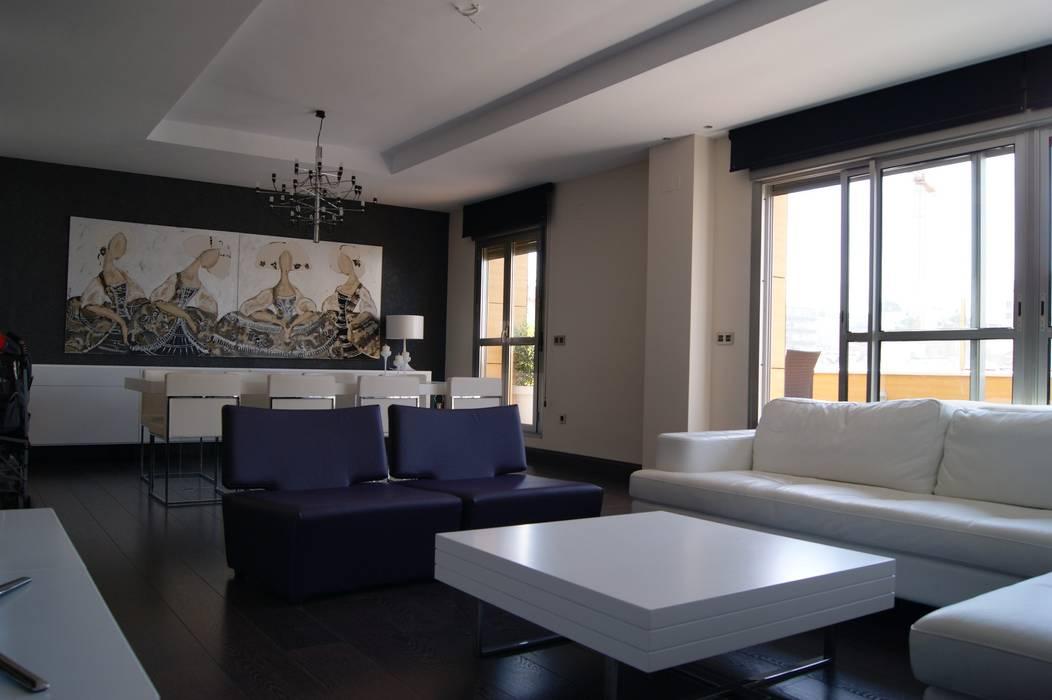Salas / recibidores de estilo  por Qum estudio