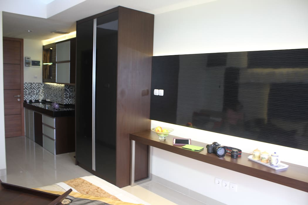 Ruang TV Ruang Keluarga Modern Oleh POWL Studio Modern