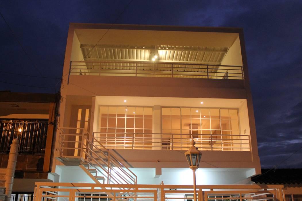 โดย IngeniARQ Arquitectura + Ingeniería โมเดิร์น
