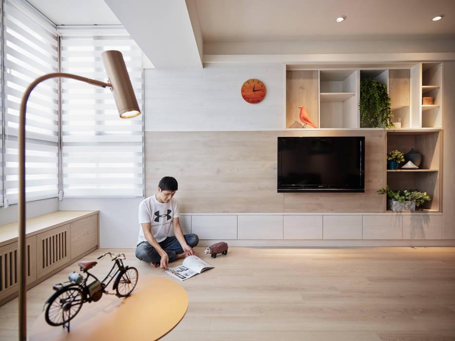 湖光深色 RIVER SIDE  VIEW:  地板 by 耀昀創意設計有限公司/Alfonso Ideas,