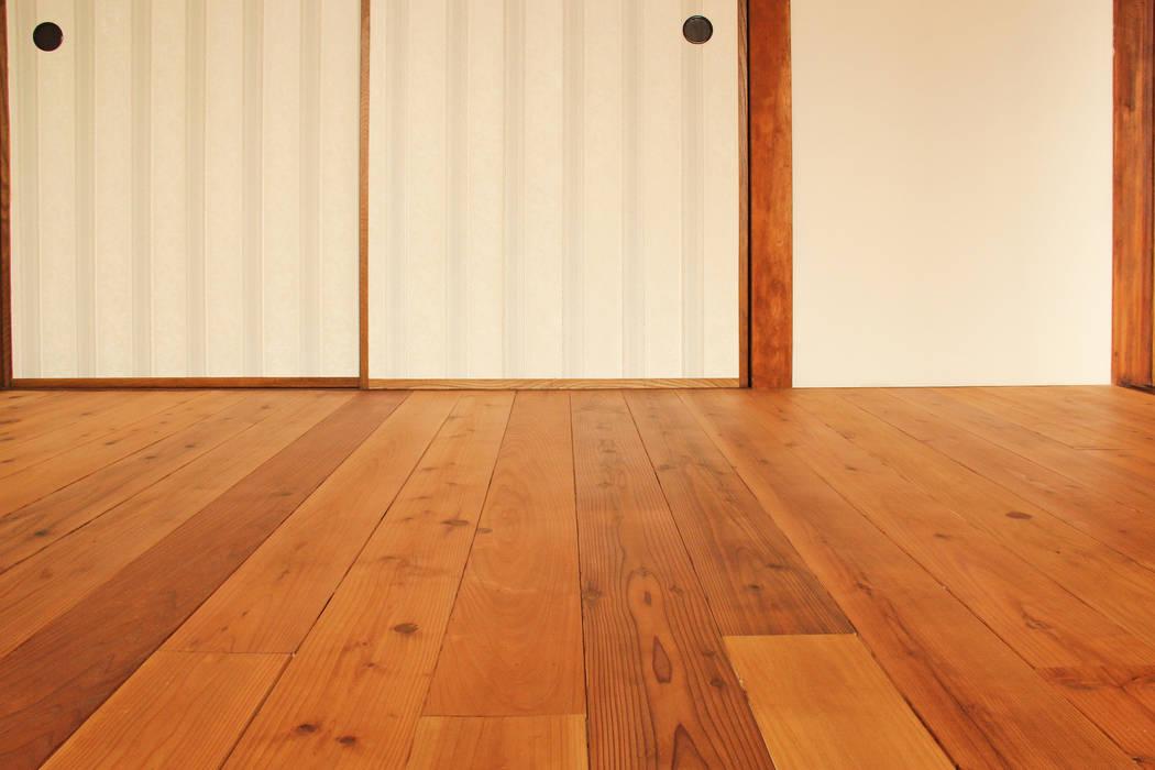 松戸の家2(無垢な賃貸) の 大畠稜司建築設計事務所 オリジナル 無垢材 多色