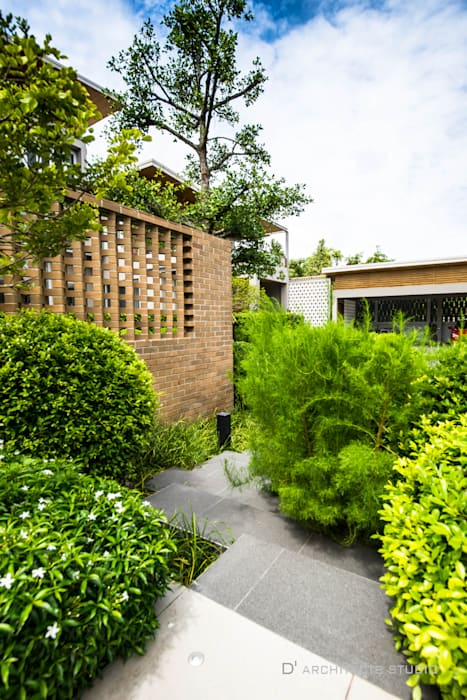 Modern style gardens by D' Architects Studio Modern