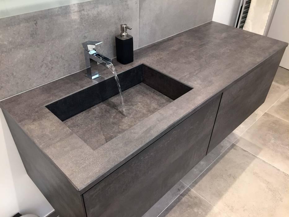 vasque en gres Vasque en grès : Salle de bains de style par ATELIER FLORENT - Architectes  du0027