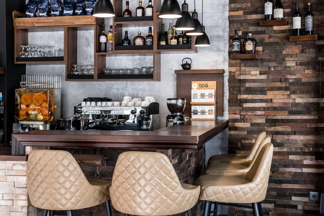 Design Interiores café pastelaria Espaços de restauração eclécticos por Oficina Design Eclético