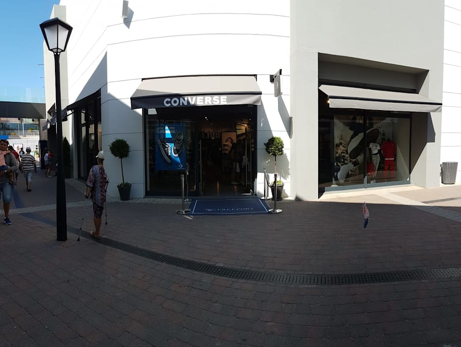 Offices & stores by ERN Construções Lda, Modern