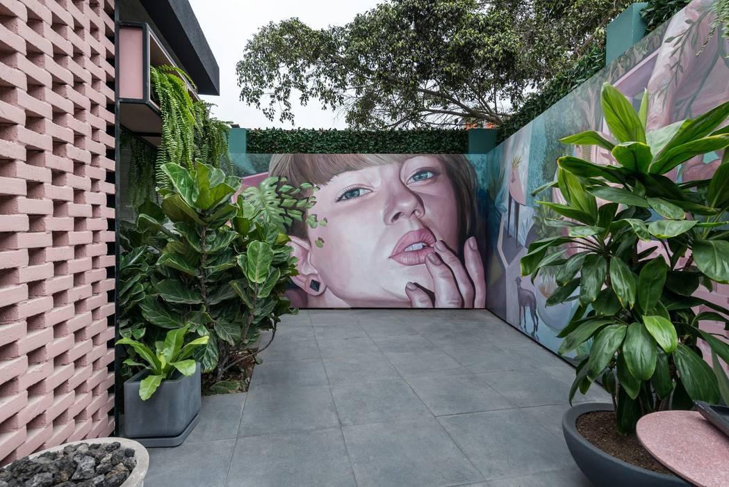 Garden Chic Perú Paisajismo - Loft de Marianne Casacor 2018: Balcones, porches y terrazas de estilo  por Garden Chic Perú