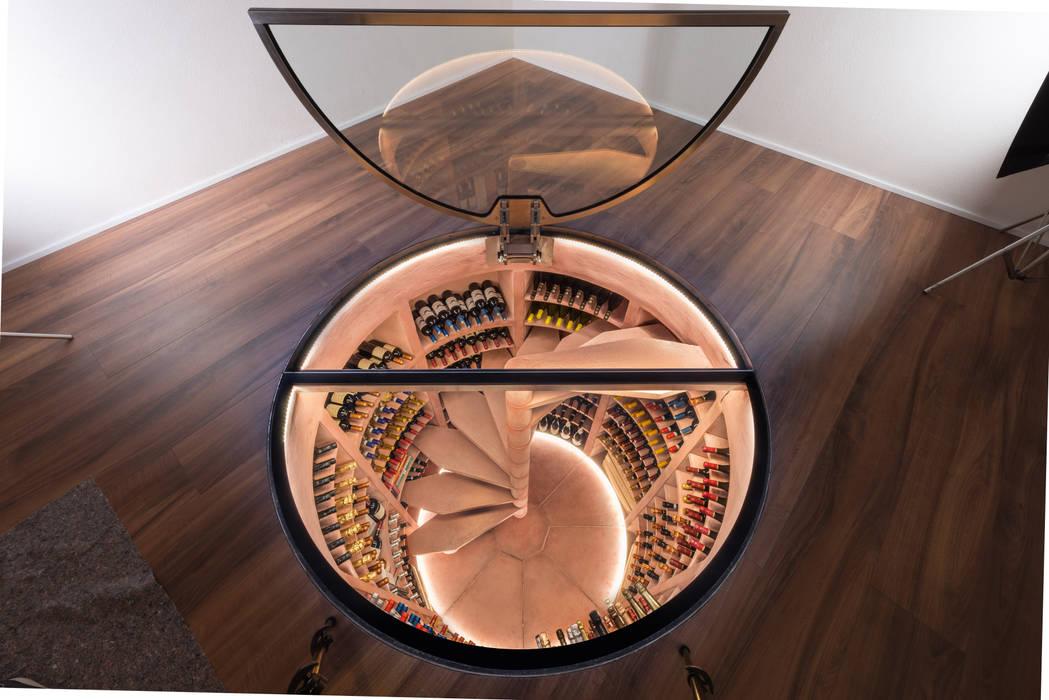 Ruang Penyimpanan Wine oleh ShoWine , Modern
