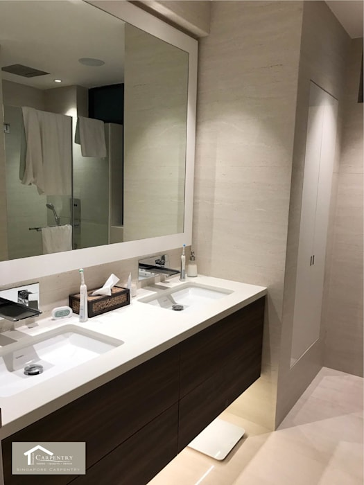 Transitional style at 53 Grange Road Modern bathroom by Singapore Carpentry Interior Design Pte Ltd Modern