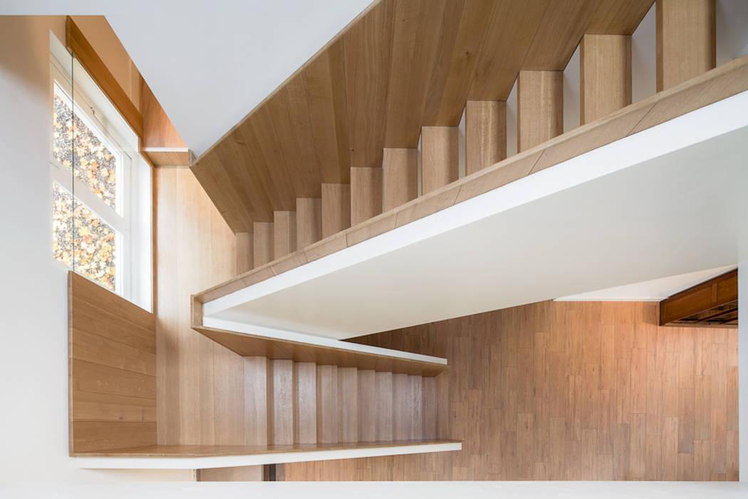 Koetshuis:  Trap door Richèl Lubbers Architecten