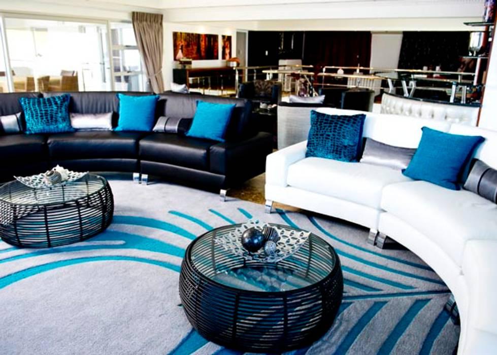 House Habana:  Living room by AB DESIGN