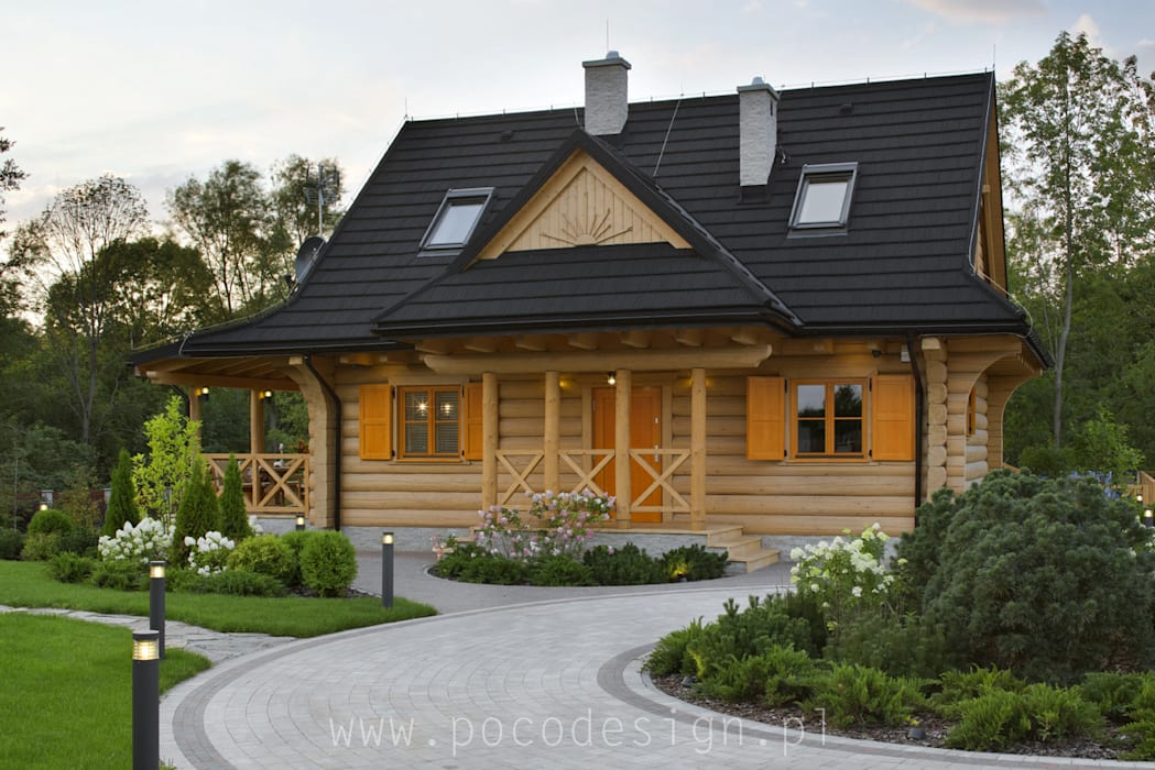 Letnisko z bali: styl , w kategorii Dach zaprojektowany przez Pracownia Projektowa Poco Design,Wiejski