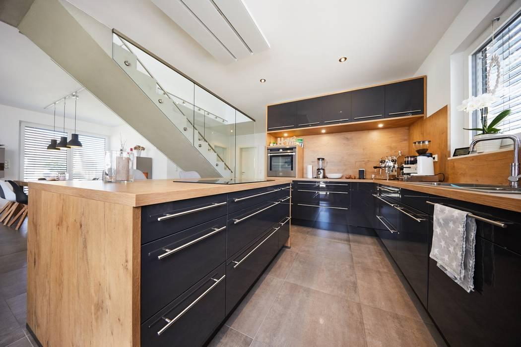 Küche Moderne Küchen von STRICK Architekten + Ingenieure Modern