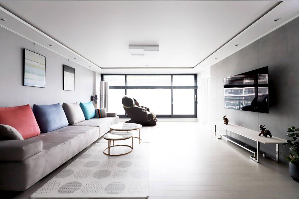 구로구 한솔아파트 38평: 디자인담다의  거실