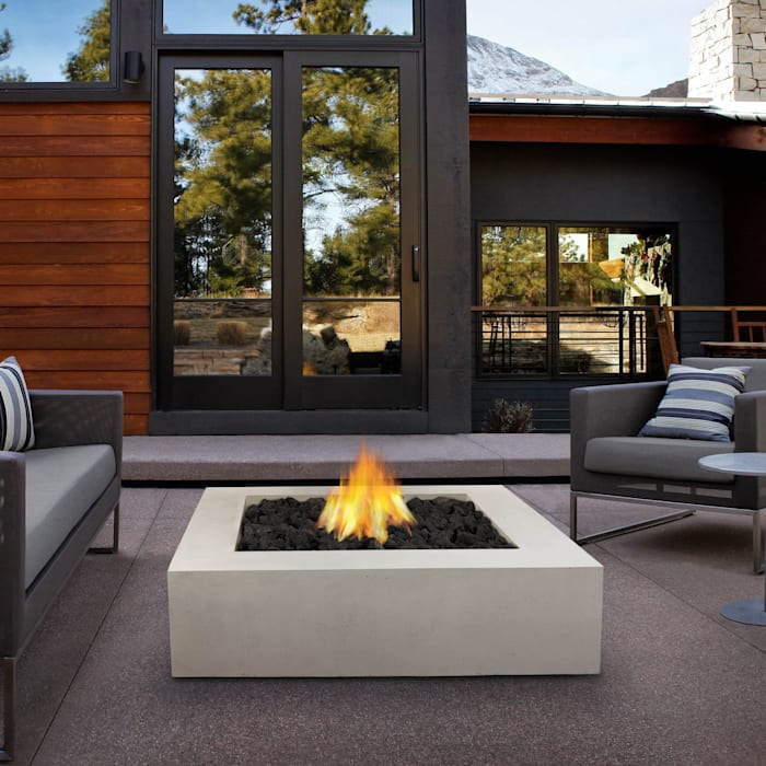 Chimenea a Gas para Exterior: Balcones y terrazas de estilo  por Grupo Cinco Chimeneas