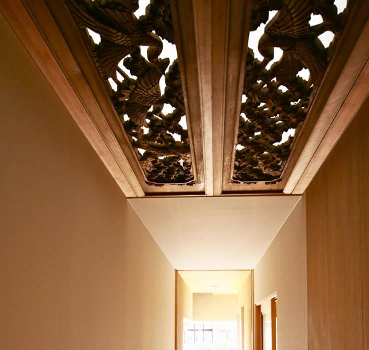 Studio tanpopo-gumi 一級建築士事務所:  tarz Koridor ve Hol,