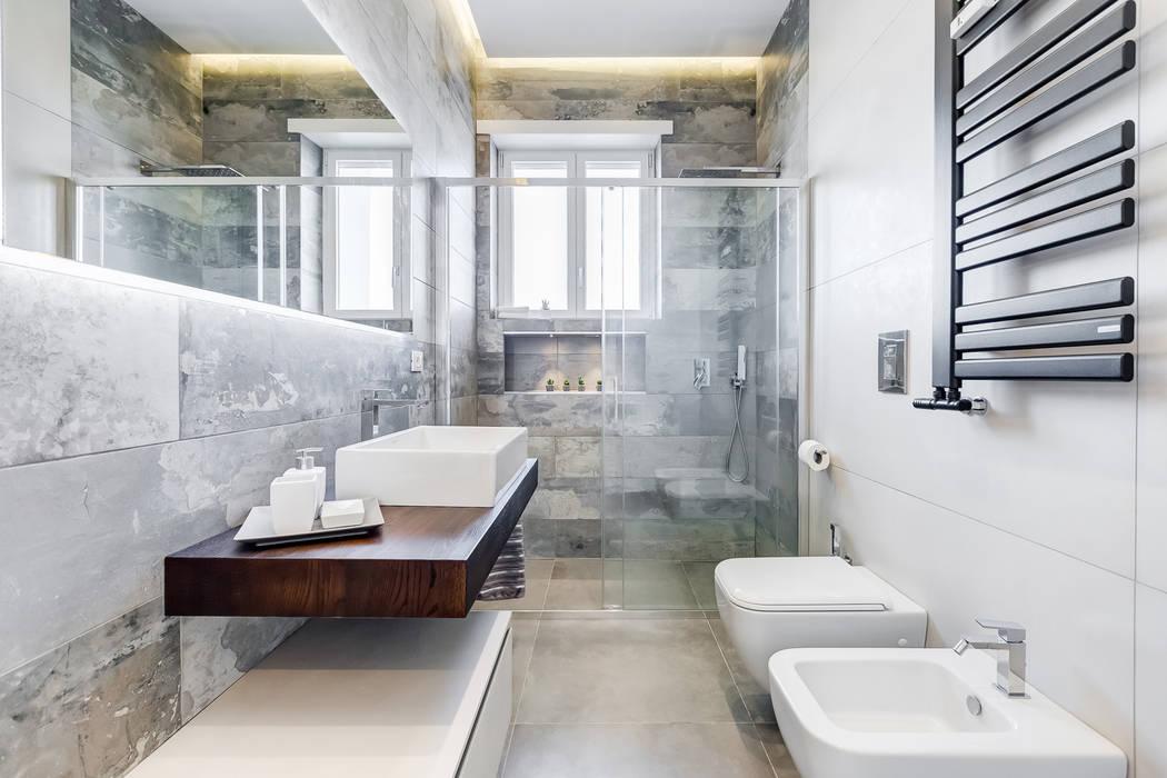 Don Bosco minimal design: Bagno in stile  di EF_Archidesign
