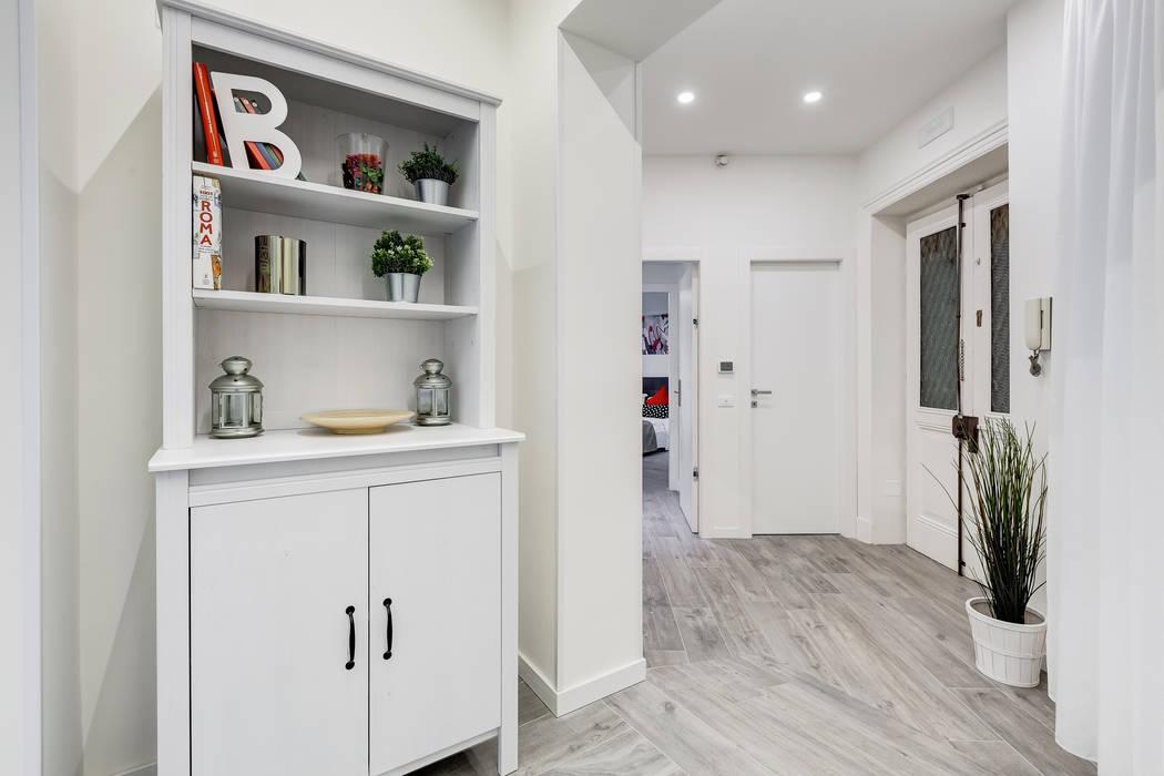Margherita Guest House: Ingresso & Corridoio in stile  di EF_Archidesign