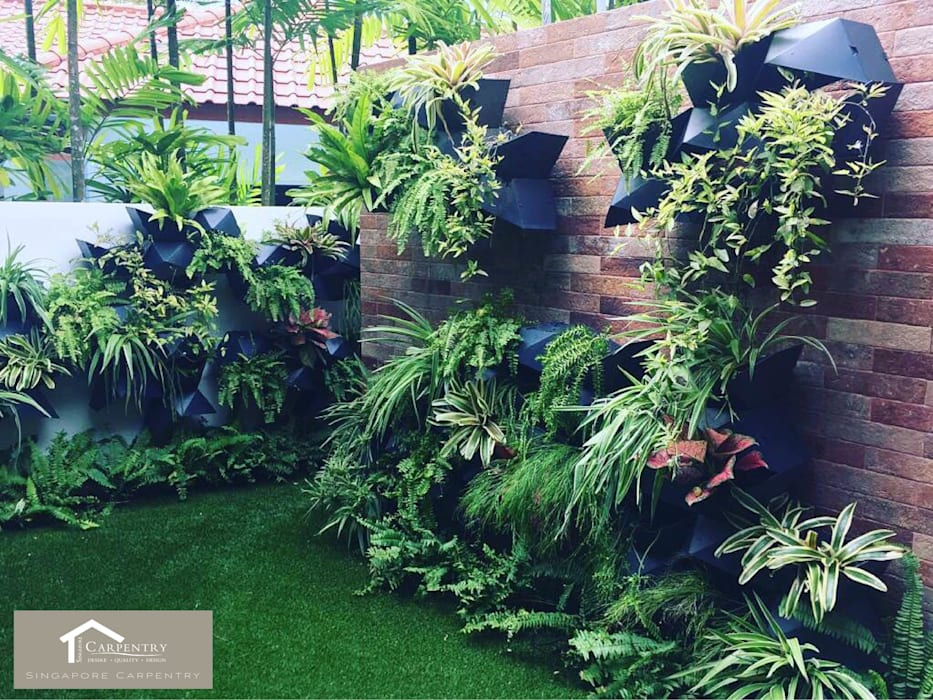 Garden wall Eclectic style walls & floors by Singapore Carpentry Interior Design Pte Ltd Eclectic